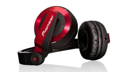Pioneer HDJ-500 headphones at Rs 8,590