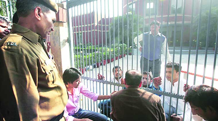 ABVP men lock welfare dean out of office