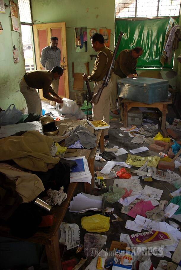 Locals burn six buses, ransack police station after Noida authority's encroachment drive.
