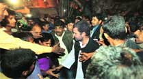 Rahul interacts with party workers in Jamshedpur