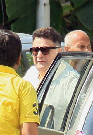 Govinda, Ranbir Kapoor, Abhishek Bachchan attend Ravi Chopra's funeral