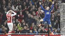 Rooney gives Man Utd first away win of the season