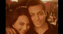 Sonakshi Sinha quashes rumours of tiff with Salman Khan at Arpita's wedding