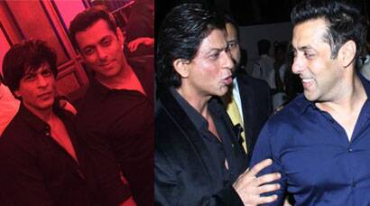 Shah Rukh Khan at Arpita's wedding reception; dances to 'Chaiya Chaiya' with Salman Khan