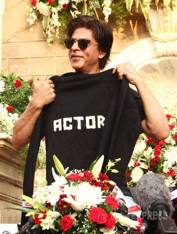 Shah Rukh Khan celebrates birthday with fans, media