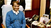 Railway Minister Suresh Prabhu visits Bal Thackeray memorial