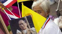 Protesters flash 'Hunger Games' sign at ThailandPM