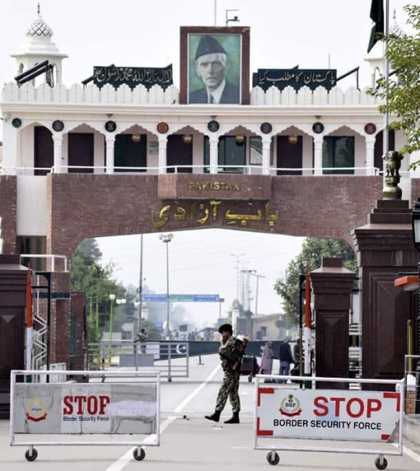 Pakistan, Afghan traders, Wagah border crossing, Pakistani traders, Nafees Zakaria, International news ,Latest news, Paksitan Afghanistan realtions, pakistan and Afghanistan, world news