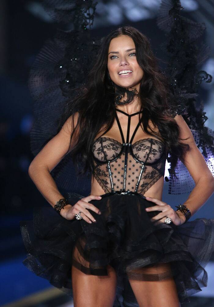 photos  adriana lima  alessandra ambrosio rock the ramp at britain u2019s victoria u2019s secret show