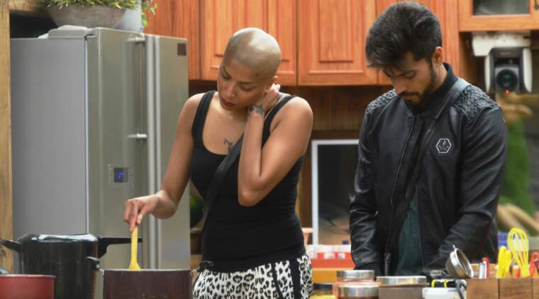 Gautam tries to steal an opportunity to talk to Diandra