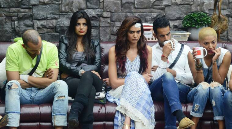 The housemates, who are shocked over the surprise nominations by Bigg Boss himself,. are in no mood for another punishment.