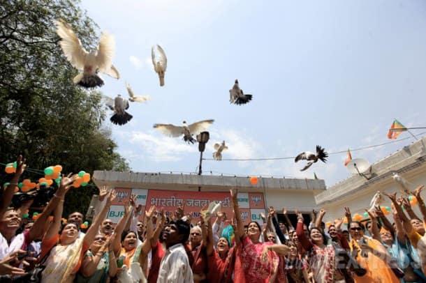 Pictures that defined 2014: Muzaffarnagar riots, Priyanka Vadra's poll campaign