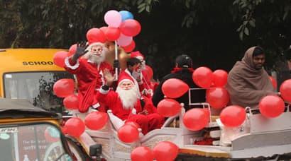 'Tis the Season: Nation celebrates Christmas in style