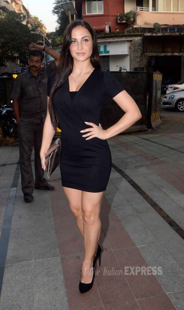 Pretty girls Sonam Kapoor, Huma Qureshi, Elli Avram