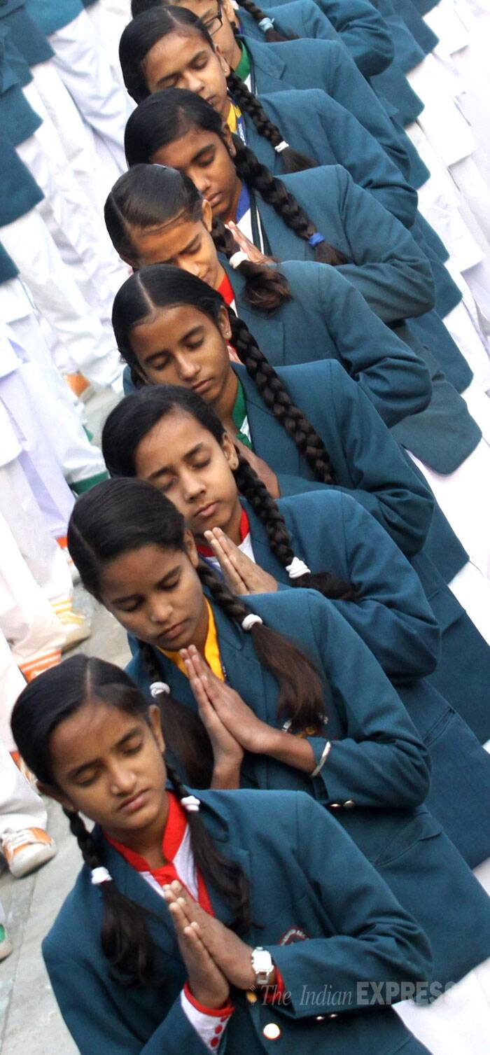 essay about prayer photos n school children pray for the good governance essays and papers