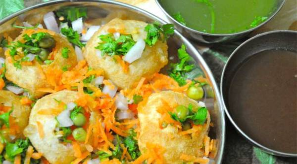 If you can't resist a plate of Golgappas, this festival is for you (Source: Wikipedia)