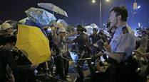 Hong Kong: Pro-democracy student protesters consider pulling up stakes