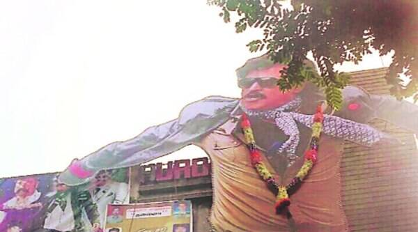 Huge cut-out of Lingaa at Aurora in Mumbai