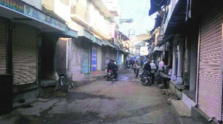 Vinchhiya remains shut, 2 more farmers found dead