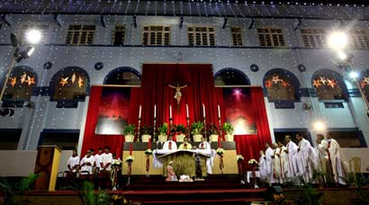 Christmas Eve celebrations in India and Vatican