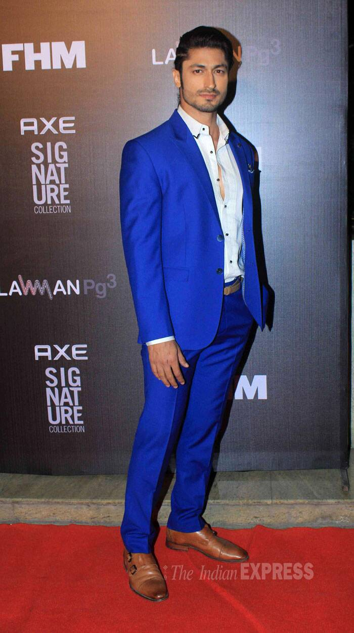 Model-turned-actor Vidyut Jamwal was handsome in a striking blue suit. (Source: Varinder Chawla)