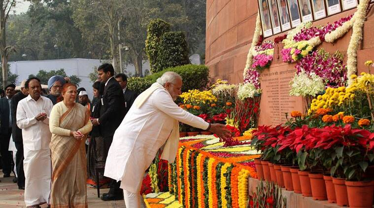 PM Narendra Modi pays floral tributes to the martyrs who died in the 2001 Parliament attack. (Source: Renuka Puri)