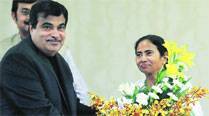 Gadkari promises Rs 10,000 cr for highway projects instate