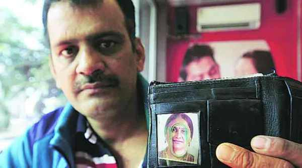 Pralhad Shirsath shows a picture of his wife (Source: Arul Horizon)