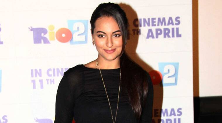 Despite being alien to Tamil, Sonakshi was lauded for her perfect lip sync in the film's trailer.