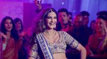 Watch: Sonam Kapoor wants to 'Phatte Tak Nachna' in 'Dolly Ki Doli' song