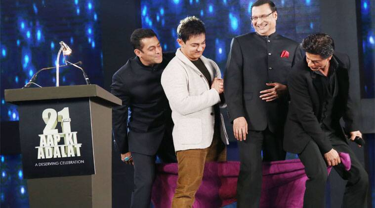 Shah Rukh, Salman and Aamir perform towel dance on stage