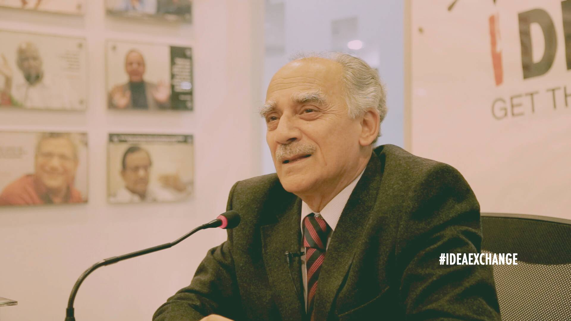 BJP can't talk development in Delhi and Love Jihad in Muzzafarnagar: Arun Shourie