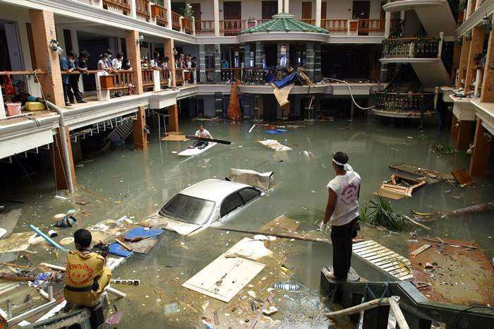 asian tsunami damages