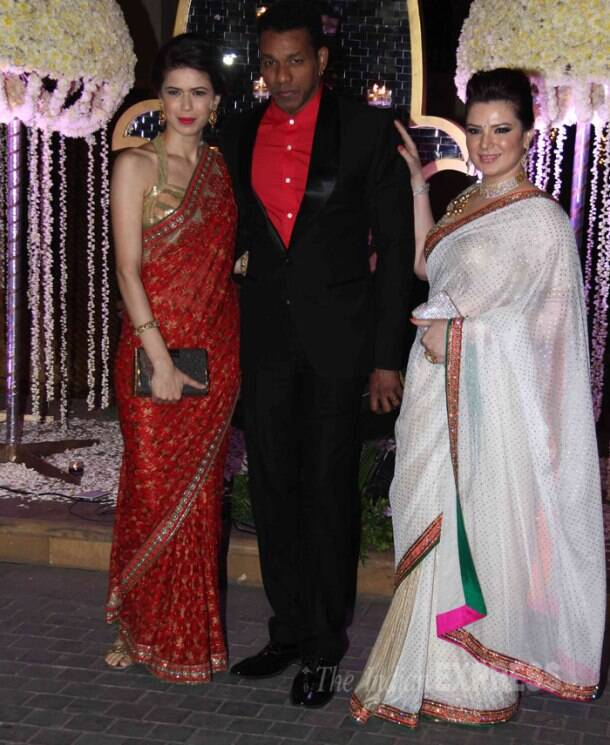 Rekha, Priyanka Chopra, Vidya Balan, Sridevi, Twinkle deck up for Manish Malhotra's niece's reception
