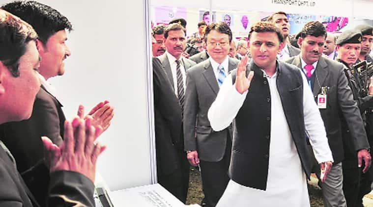 Akhilesh Yadav, cell phone thumb, manufacturing hub, uttar pradesh