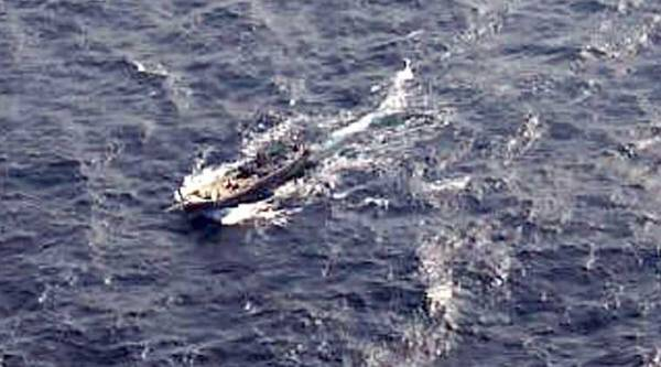 Coast Guard, Pakistani vessel, fishing vessel, fishing boat, terror, porbandar, pakistani boat, indian coast guard, Pakistani terrorist,