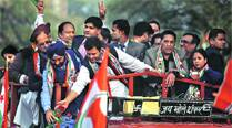Delhi elections: Rahul joins queue at jhuggi-jhopri, says Cong is a 'party of the poor'