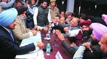 Karimpura Market demolitions: It's mayor vs BJP at House meeting