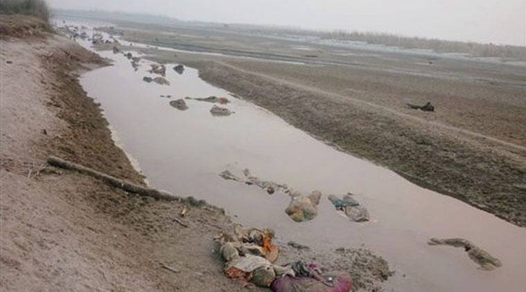 ganges river dead bodies - 600×450