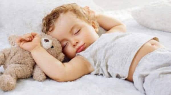 Shun screens at bedtime for better sleep