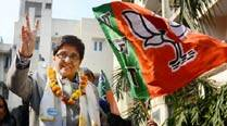 Last lap, nervous BJP calls party to Delhi, for Delhi