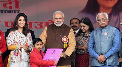 Narendra Modi launches 'Beti Bachao Beti Padhao' campaign to tackle dwindling number of girls