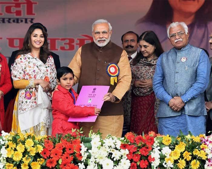 Bhavya Gandhi Real Family