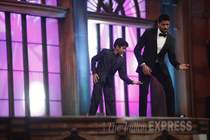 screen awards 2015, lifeok screen awards, parth bhalerao, sidharth Malhotra