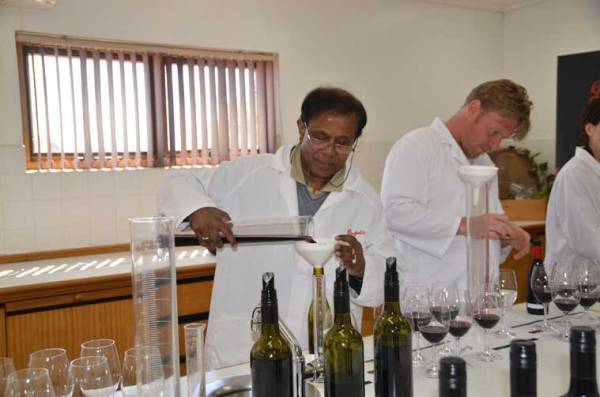 Blending wine at Penfolds (Source: Sandip Hor)