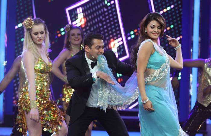 Salman Khan and Jacqueline Fernandez were seen dancing to their hit ...