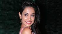 Sarah-Jane Dias happy to have friends in debut video