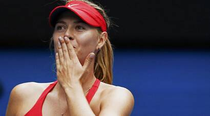 After Sharapova, Serena, Murray storms into final