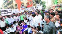 Sena 'opposes' BJP, rallies against shifting of residents to accommodate station inGirgaon