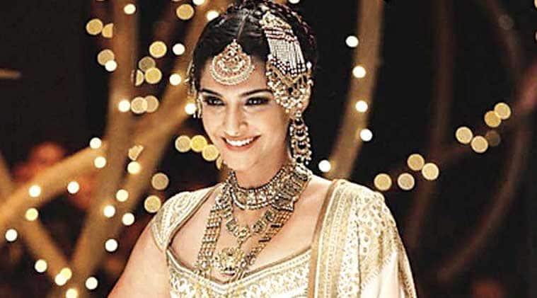 "Sonam Kapoor hopes ""Dolly Ki Doli"" gets critically acclaimed and that ""everybody likes it""."